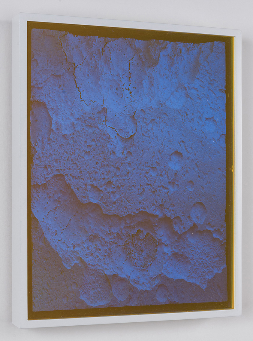 05_Wolfgang-Flad_untitled-dark-side-of-the-moon-2020_mixed-media_48x38_web