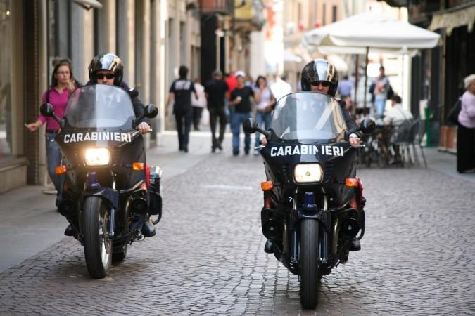 carabinieri alba in moto