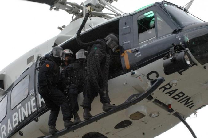 carabinieri in elicottero