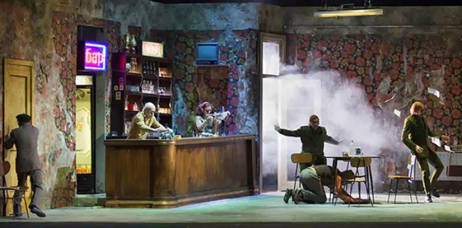 L'ISPETTORE GENERALE  di Nikolaj Vasil'evic Gogol'  adattamento drammaturgico di Damiano Michieletto