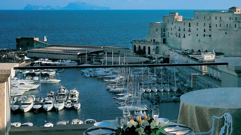Hotel Excelsior Napoli Storia