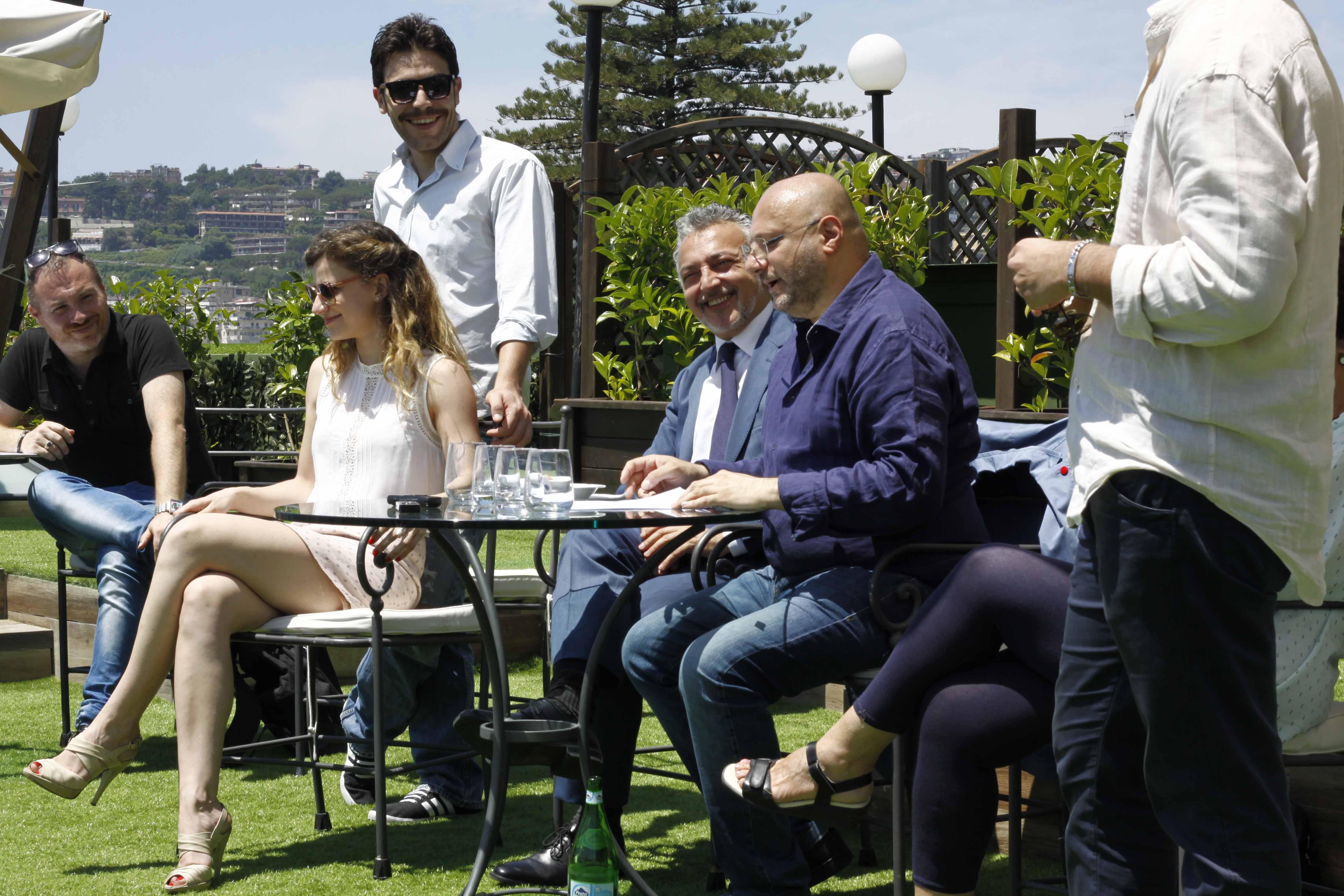 Espresso napoletano Dalla terrazza del Grand Hotel Parker\'s: l ...