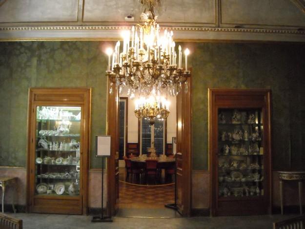 vetrine villa Pignatelli