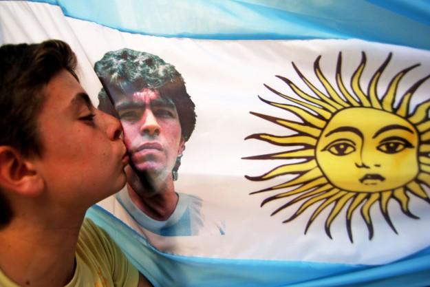 bacio Maradona