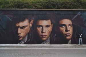 """<p>L'arte che coinvolge, che si rivela sulle pareti di una grande città come Napoli, dandole quel fascino che lascia senza fiato. L'artista Jorit Agoch con i suoi volti che quasi sembrano parlare e raccontare la loro storia è riuscito a rendere delle semplici mura dei capolavori. """"Il volto è l&#8217;elemento che più ci caratterizza e [&hellip;]</p>"""