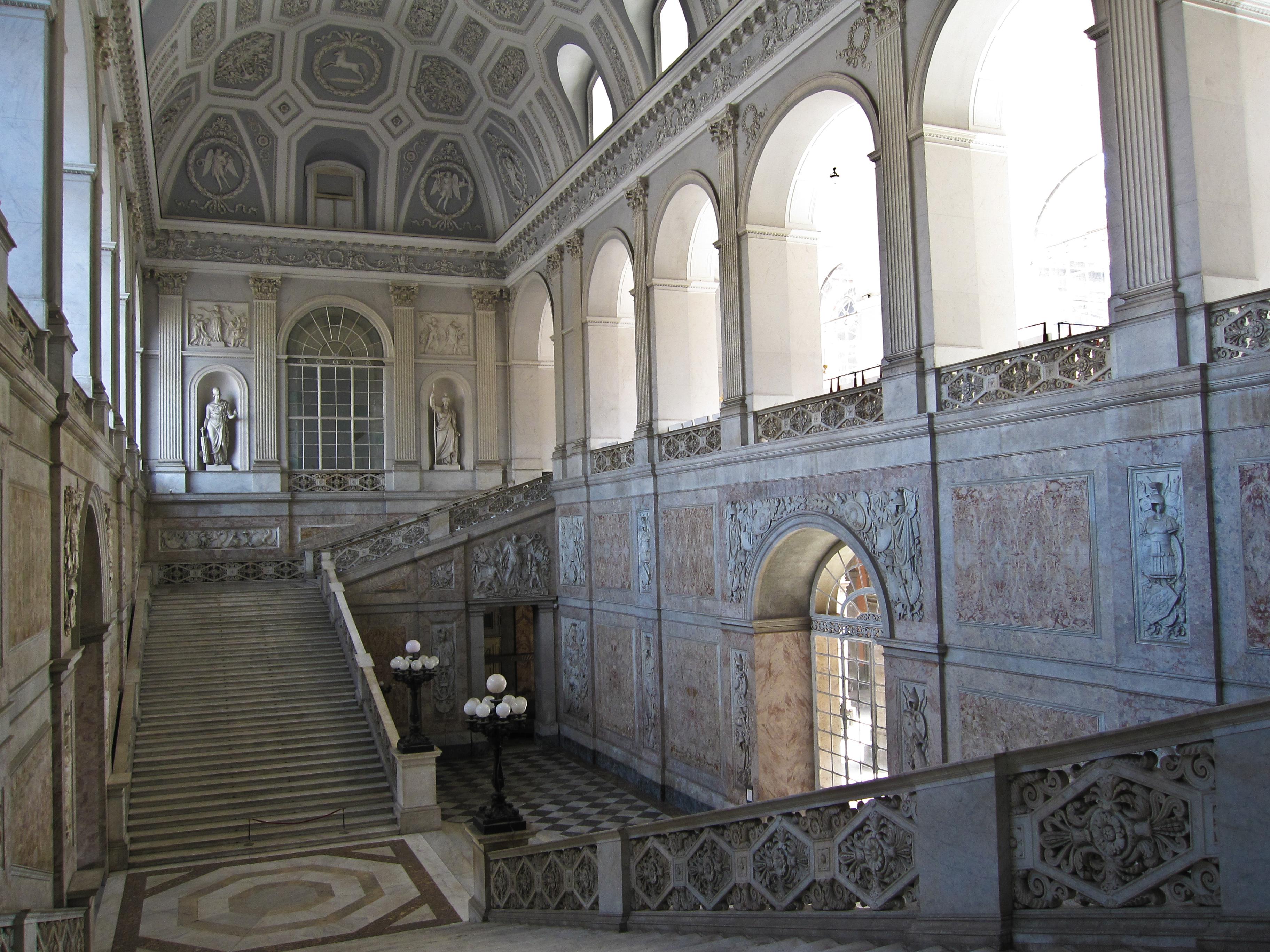 Napoli_-_Palazzo_Reale20