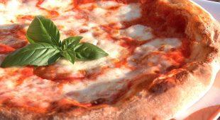 Espresso napoletano - Pizza e Pulcinella, parte la battaglia per le tradizioni culturali napoletane