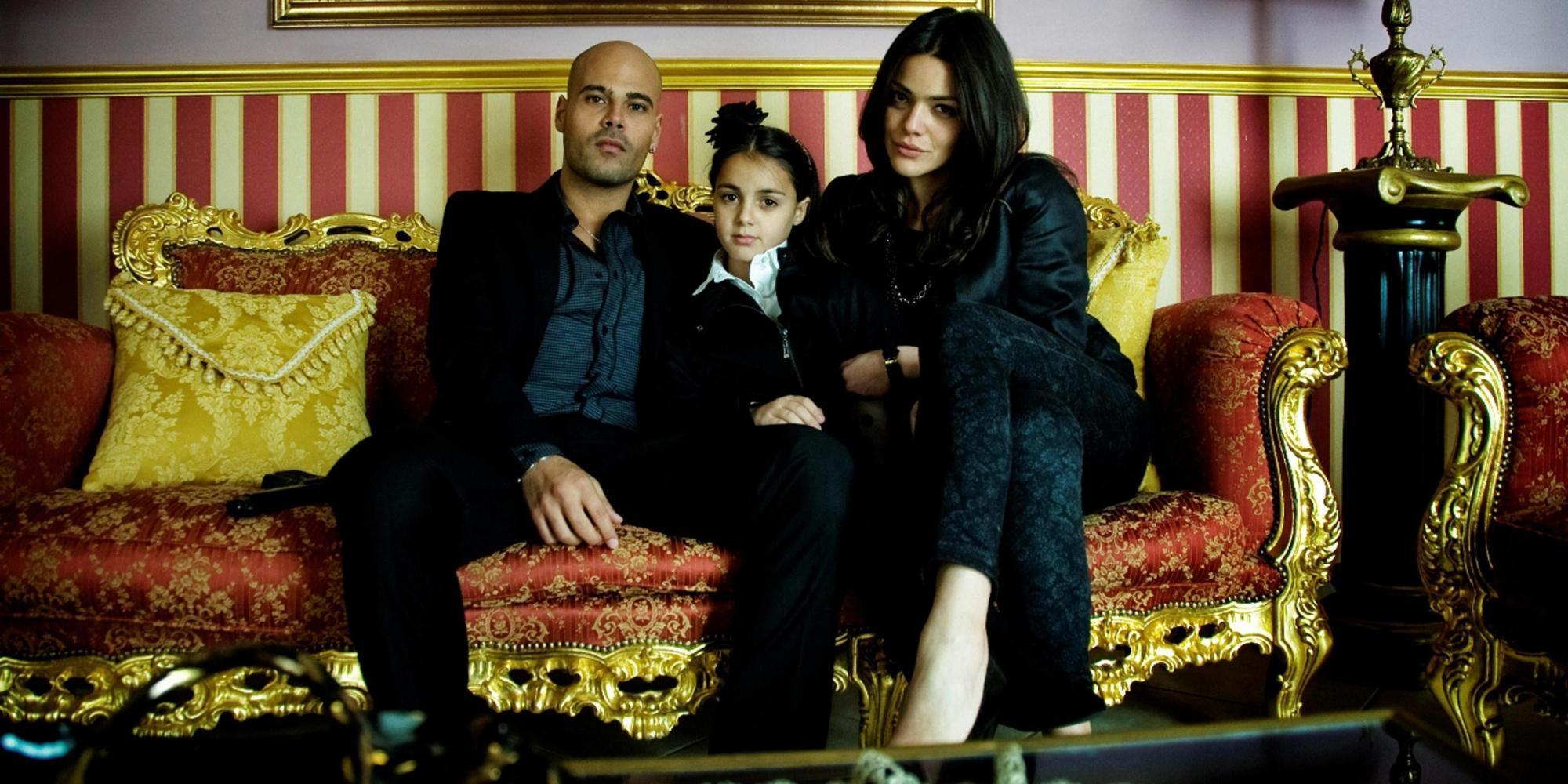 Gli attori interpreti della famiglia di Ciro di Marzio in una foto di scena della serie tv Gomorra che andrà in onda su Sky. ANSA/ EMANUELE SCARPA - UFFICIO STAMPA ++HO NO SALES EDITORIAL USE ONLY++