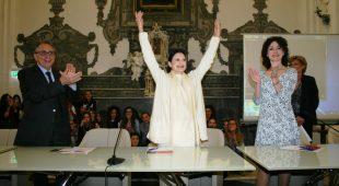 Espresso napoletano - Presentata al Suor Orsola l'autobiografia di Carla Fracci