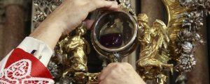 <p>Se Parigi val bene una messa &#8211; come disse Enrico di Navarra, ugonotto convertito al cattolicesimo per salire sul trono di Francia &#8211; Napoli val bene un&#8217;ampolla: come affermano tutti i politici della più varia estrazione, pur di accattivarsi il popolo devoto a San Gennaro. L&#8217;ultimo è stato Luigi Di Maio, aspirante premier dei 5 [&hellip;]</p>