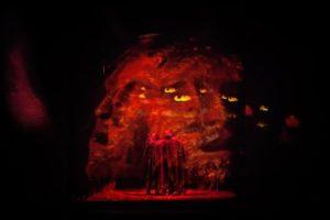 <p>Nel mezzo del cammin di nostra vita&#8230; così comincia un celebre viaggio, raccontato da un uomo del Trecento eppure sempre attuale. Quello stesso viaggio, attraversando i secoli e i linguaggi, arriva a Napoli, versione musical. Un&#8217;esperienza nei mondi ultraterreni da vivere con tutti i sensi accesi. Il Musical si propone di portare lo spettatore dall'Inferno [&hellip;]</p>
