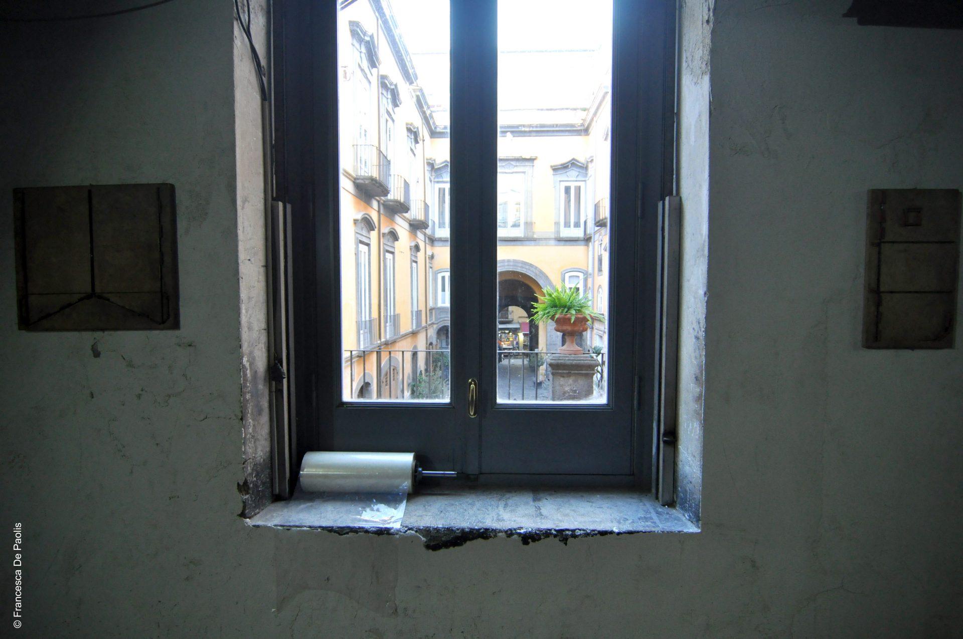 finestra sul cortile di palazzo marigliano