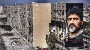 <p>La street art, con la sua attitudine all'immediatezza e alla provocazione, invade Napoli Est e lo fa con uno scopo ben preciso: nel quartiere Ponticelli, territorio con il più alto tasso di dispersione scolastica e disoccupazione, dove la criminalità minaccia le prospettive di sviluppo individuali e dell'intera comunità, si parte dall'arte di strada per avviare [&hellip;]</p>