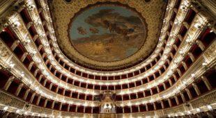 Espresso napoletano - Il San Carlo apre le porte al musical