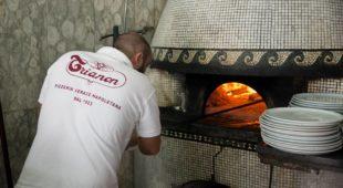 """Espresso napoletano - Alla Pizzeria Trianon la presentazione di """"Prontuario per genitori di nativi digitali"""""""