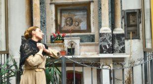 """Espresso napoletano - Un itinerario teatralizzato alla scoperta degli """"altarini"""" di Napoli"""