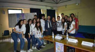 """Espresso napoletano - Liceo Miranda, l'incontro tra gli studenti e lo scrittore Caramanica alla riscoperta della """"Campania felix"""""""