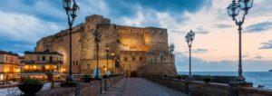 <p>Un'estate che investe la città tutta con un'offerta artistica e culturale ampia e diversificata da luglio a settembre.&nbsp;Non si tratta solo di intrattenimento, ma di creare occasioni di incontri comunitari in cui si ricostruisca il senso di una relazione intersoggettiva&#8221;: con queste parole l&#8217;Assessore alla Cultura e al Turismo di Napoli, Nino Daniele, ha presentato, [&hellip;]</p>