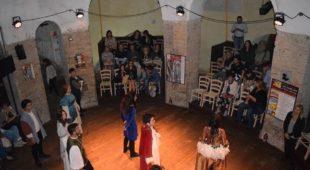 """Espresso napoletano - Riapre il """"Teatro Instabile di Napoli"""" per iniziativa di due giovani della città"""