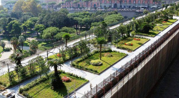 giardino pensile del palazzo reale