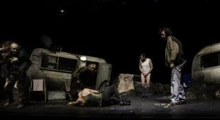 """Espresso napoletano - """"Cous Cous Klan"""", lo spettacolo di Carrozzeria Orfeo al Teatro Bellini"""