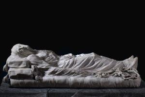 <p>Tra le innumerevoli opere d&#8217;arte presenti nella città di Napoli, probabilmente quella con il maggior fascino e mistero è il Cristo Velato: una scultura in marmo tra le più famose nel panorama artistico partenopeo e mondiale. La Storia del Cristo Velato L&#8217;autore del Cristo Velato (realizzato nel 1753) è Giuseppe Sanmartino, ma forse non tutti [&hellip;]</p>