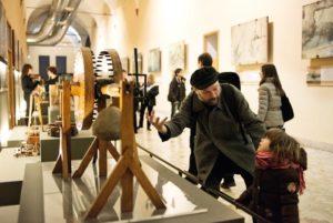 <p>Il Genio di Leonardo Da Vinci approda nel cuore di Napoli con una mostra con le sue macchine e creazioni. &#8220;Leonardo da Vinci &#8211; il Genio del Bene&#8221;, che coincide con il cinquecentenario della morte del genio toscano, sarà allestita nella suggestiva Cripta del Complesso Monumentale Vincenziano di via Vergini, 51 (in pieno Rione Sanità) [&hellip;]</p>