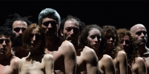 """<p>In esclusiva al Teatro Bellini dal 5 al 10 febbraio, lo sconvolgente e provocatorio &#8220;Bestie di scena&#8221; con cui Emma Dante ha stupito, affascinato e scandalizzato critica e pubblico. L'artista palermitana presenta un lavoro in cui i personaggi, muti e senza vestiti, si muovono sul palco come delle """"bestie di scena"""". Sono attori che cercano [&hellip;]</p>"""