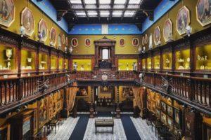 <p>Domenica 17 febbraio il Museo Filangieri aprirà le porte ai visitatori per &#8220;A casa del Principe Filangieri&#8221;, percorso guidato alla scoperta delle meraviglie custodite nel museo a cura dell&#8217;Associazione Loro di Napoli Eventi e Cultura. Pochi conoscono l&#8217;imponente Palazzo Como di Napoli detto anche &#8220;il palazzo che cammina&#8221;, sito al civico 288 della brulicante Via [&hellip;]</p>