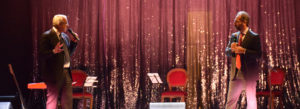 <p>Una platea in sold out al Teatro Trianon Viviani, nonostante in televisione trasmettessero la partita di Europa League Arsenal-Napoli. Quattrocento persone si sono ritrovate al fianco dell&#8217;Associazione Arti e Mestieri, creata dall&#8217;editore Rosario Bianco e dal magistrato Catello Maresca, con l&#8217;obiettivo di valorizzare l'impegno e l'entusiasmo dei giovani, che vogliono imparare un mestiere – e [&hellip;]</p>