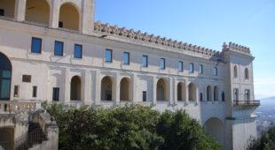 Espresso napoletano - Museo di San Martino, la passione di Cristo tra canti e arte